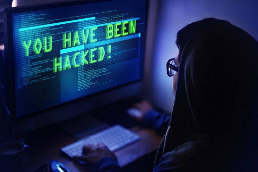 Economist writer mocked for peddling old, debunked 'Russian hack' story in bizarre tweet to Macron
