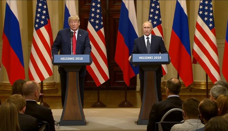 Meddling, diplomacy & football: Highlights of Putin-Trump summit in Helsinki (VIDEOS)