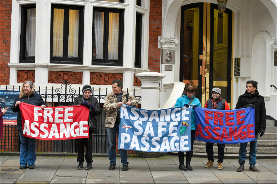 Ecuador's president to hand Assange over to UK during London visit – Greenwald