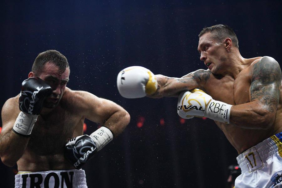 'Don't bother me, that's the best support you can give': Boxer Usyk rejects 'Hero of Ukraine' medal