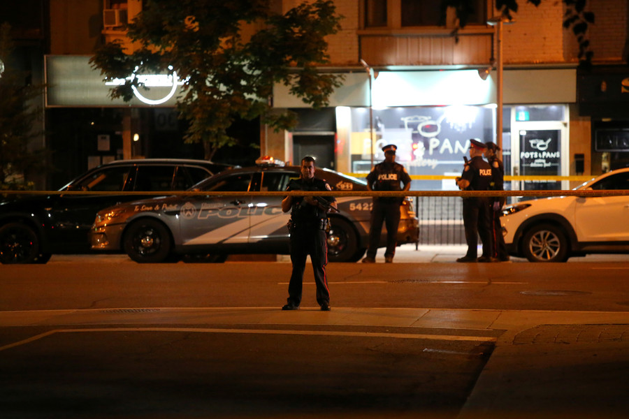 Moment Toronto shooter starts rampage that killed 1, injured 13 caught on VIDEO