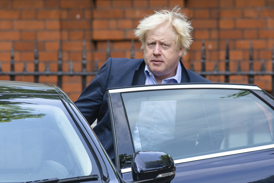 'Boris should pack his bags': Johnson slammed for failing to move out of £20mn gov house