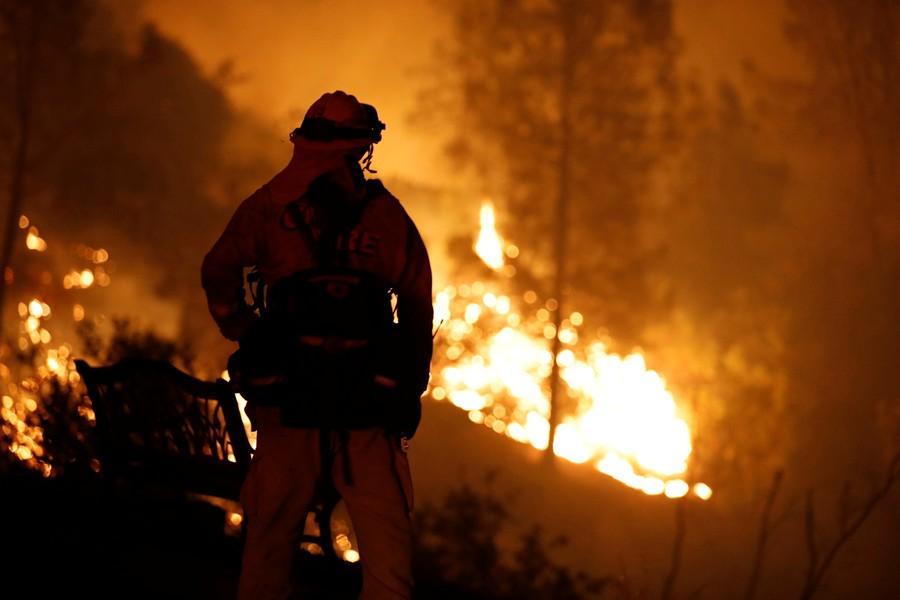 'Firenado' flames lick roadside as emergency services battle California blaze (VIDEO)