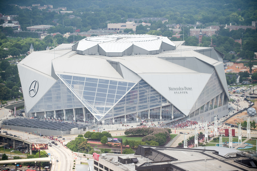 NFL team Atlanta Falcons unveil incredible new retractable roof at Mercedes-Benz Stadium (VIDEO)