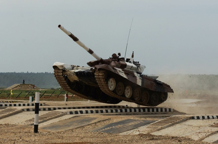 Tank biathlon: Spectacular war machine challenge kicks off on first day of Intl Army Games (VIDEO)