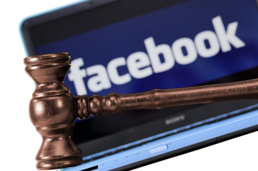 Zuckerberg & Facebook slapped with lawsuit for failing to warn investors of slowing growth