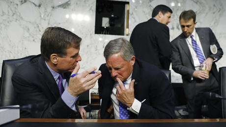 Senators Mark Warner (D-Virginia) and Richard Burr (R-North Carolina) at the Senate Intelligence Committee © Kevin Lamarque