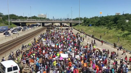 Anti-gun violence protesters shut down Chicago highway, governor gets blasted for calling it 'chaos'