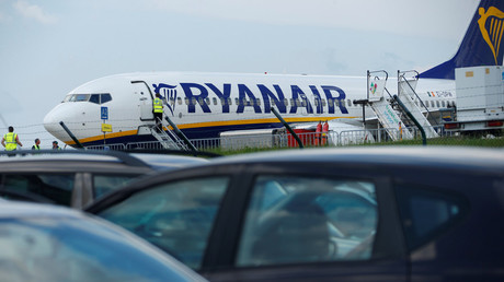 33 hospitalized after Ryanair flight plummets mid-air & makes emergency landing in Frankfurt