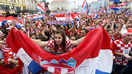 Croatia team given heroes' welcome on return to Zagreb after historic World Cup run (VIDEO)