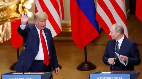 Coincidence or conspiracy? Lights go out on Trump and Putin when talking about US intel agencies