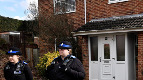 FILE PHOTO: Police officers near Sergei Skripal's home in Salisbury © Toby Melville