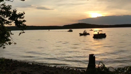 At least 11 killed, several missing after tourist boat capsizes on Missouri lake (VIDEO)