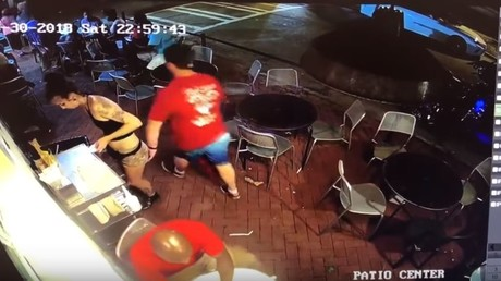 Girl power: Waitress tackles diner who groped her backside in pizzeria (VIDEO)