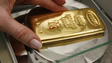 Dollar detox: Russia's gold reserves near 2000 tons to set historic benchmark