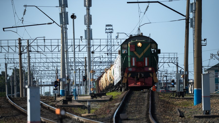 Canada helps Russia build railroad to bypass Ukraine
