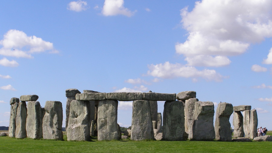 Groundbreaking discovery: Who may have built Stonehenge finally revealed