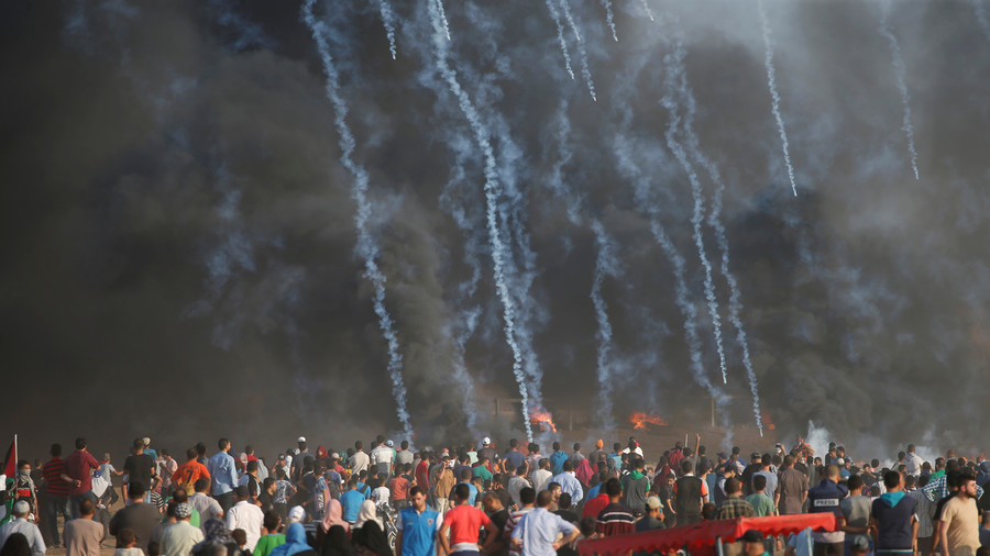 Gaza border protest: 25 Palestinians injured by Israeli army using live fire and tear gas
