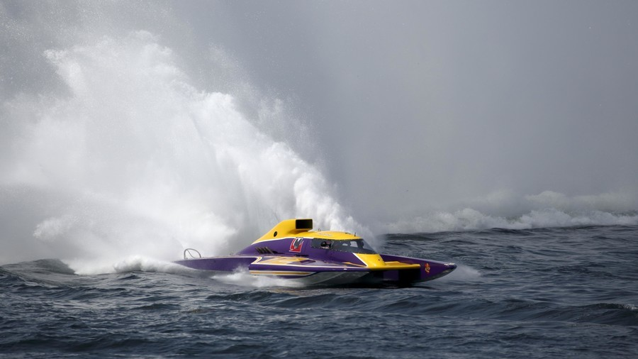 High-speed hydroplane boat flips 360 degrees in spectacular crash (VIDEO)