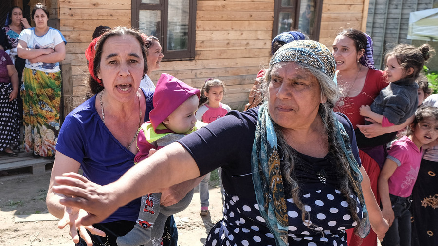 Hundreds of gypsies flee Russian region fearing retaliation after one raped & murdered 9yo girl