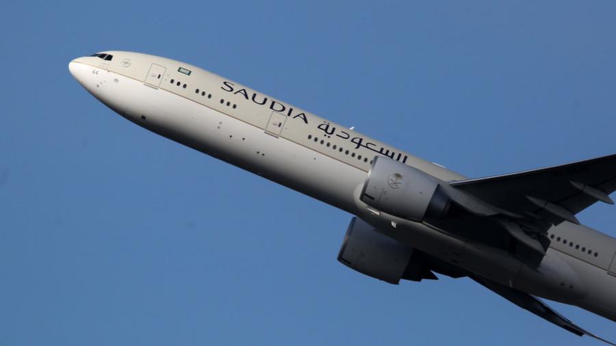 Saudi airline stops flights to Canada amid escalating diplomatic row