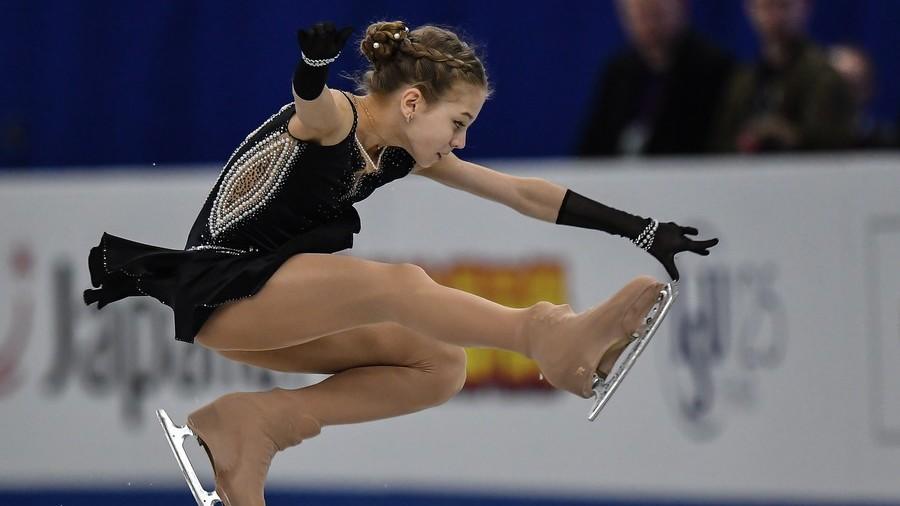 Russian 14yo figure skater includes men's elements in routine (VIDEO)