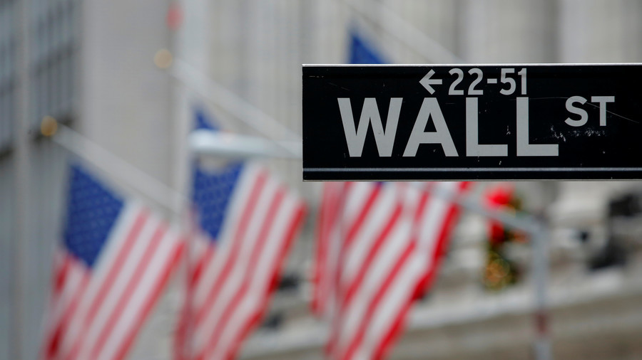 Wall St. Falls Amid Turkey Woes; Banks, Tech Decline