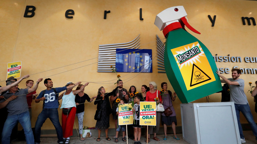 Sales of Monsanto's RoundUp weedkiller reviewed in UK after US ruling on cancer link