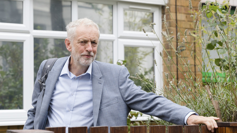 Resignation matter or fake news? Attack on Corbyn over 'terrorist wreath laying'