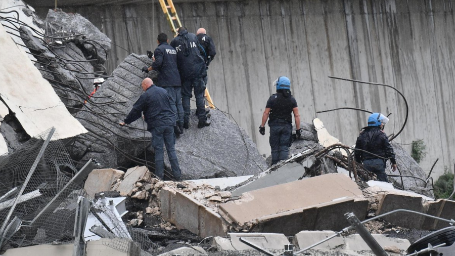 'This is hell': Eyewitnesses relay tragic Genoa bridge collapse (VIDEOS, PHOTOS)