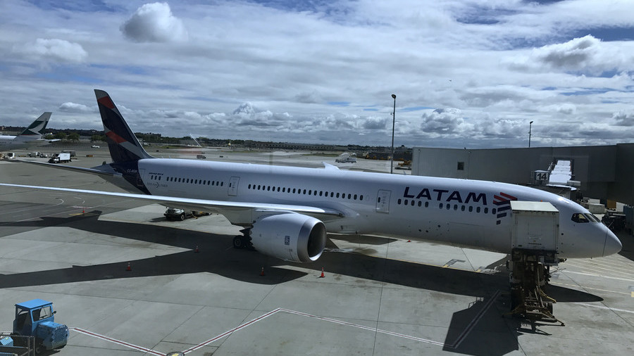 Fake bomb threats force nine Chilean planes to make emergency landings