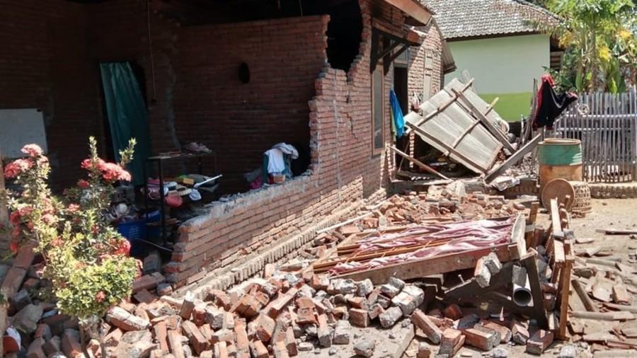 Magnitude 6.3 earthquake hits Indonesia's Lombok island (PHOTOS)