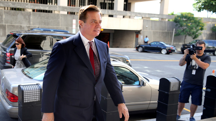 In courtroom, Manafort stood frozen as 8 guilty counts read
