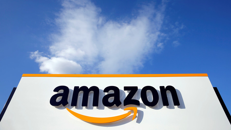 Amazon workers defend warehouse working conditions