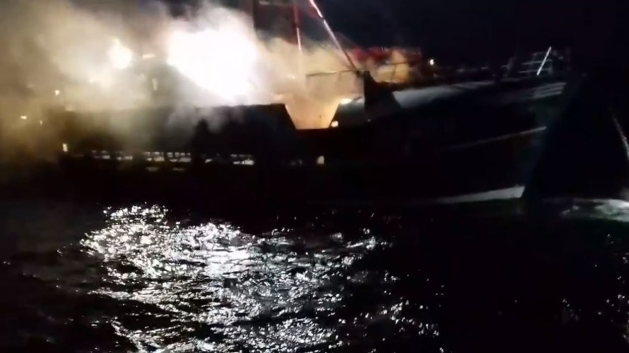 British and French fishermen clash in scallop war