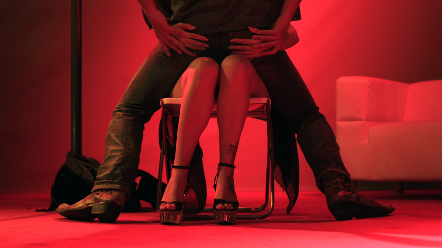 Israel may criminalize lap dancing as form of prostitution