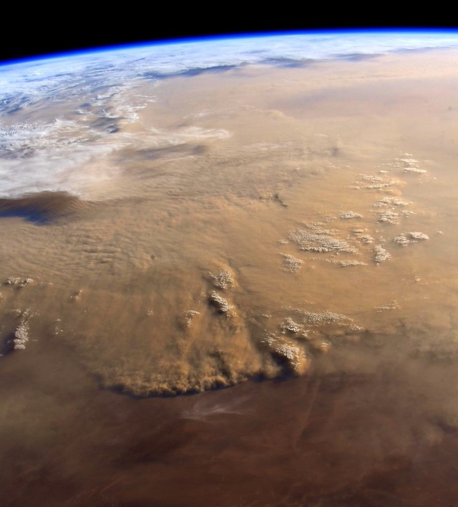 Sandstorm from space: ISS astronaut snaps epic images of Sahara tempest