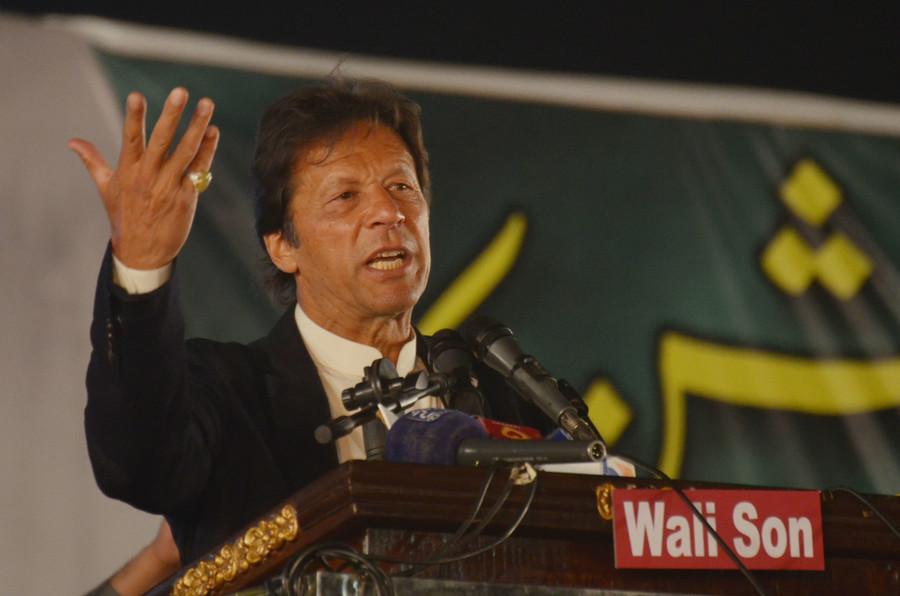 New Pakistan PM Imran Khan tells Britain to return looted money