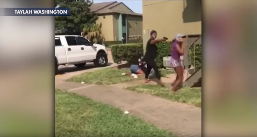 Texas mom pulls 'gun' during violent brawl between teen girls (VIDEO)