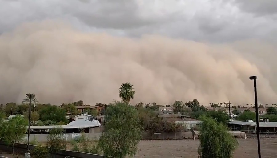Haunting, 'life-threatening' wall of dust completely envelops Phoenix (PHOTOS, VIDEOS)