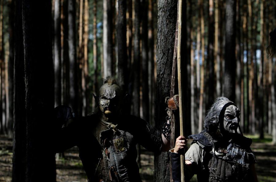 'Elf commissioner' banishes trolls & bad spirits from German highway