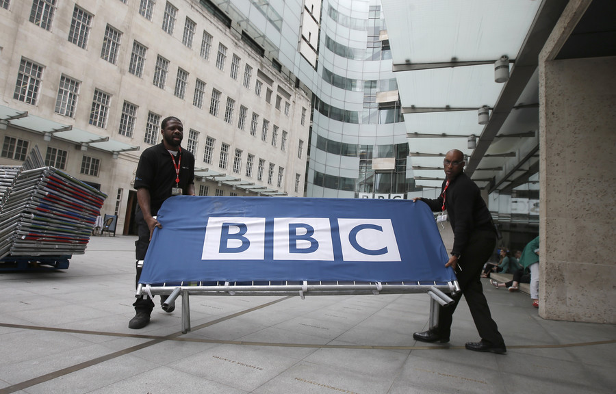 'Sick of media lies': Thousands protest state broadcaster bias in #BBCswitchoff