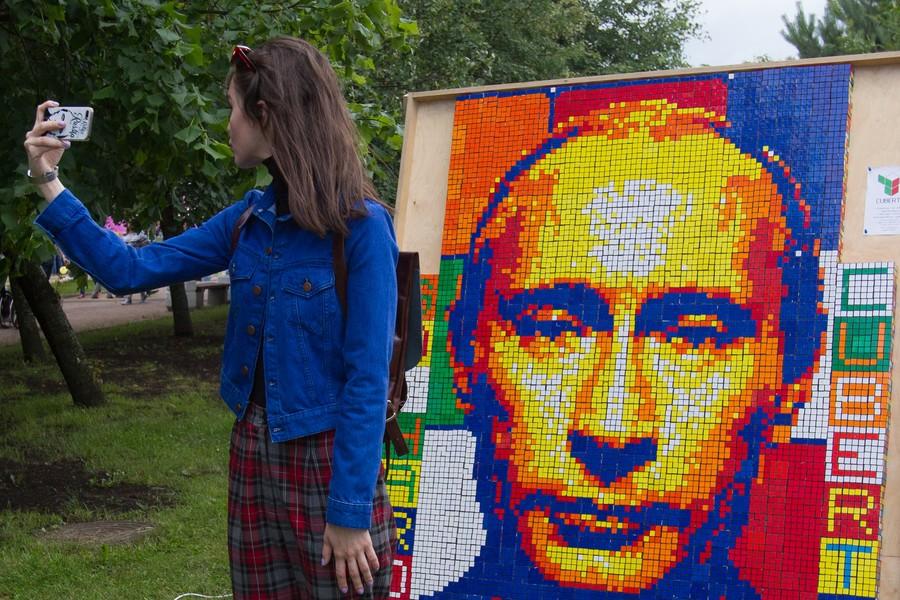 Austrian FM wedding: Restaurant chef seeks selfie with Putin, but has no special dish for him