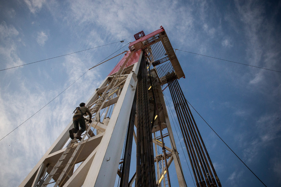 Can US shale stop a global oil supply crisis?