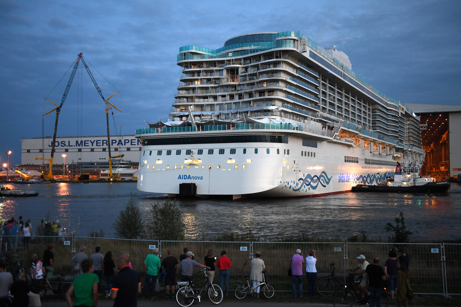 Floating 5-star hotel: Russia's 1st cruise liner to be ready for tests in 2019