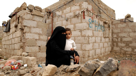 FILE PHOTO: A woman displaced from Hodeidah with her son. © Khaled Abdullah