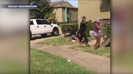 Texas mom pulls 'gun' during violent brawl between teen girls (VIDEO)