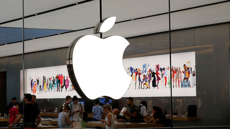 'Hacky hack hack': Schoolboy superfan cracks Apple security, downloads customer info