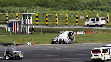 Video captures panic among passengers as Chinese Boeing 737 crash-lands in Manila