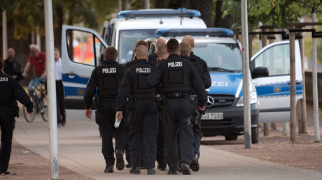 Saxony police suspected of far-right links after leak of warrant for Chemnitz murder suspect